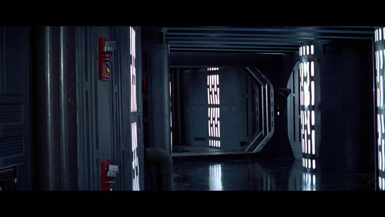 Star Wars A New Hope Bluray Capture 03-22.jpg