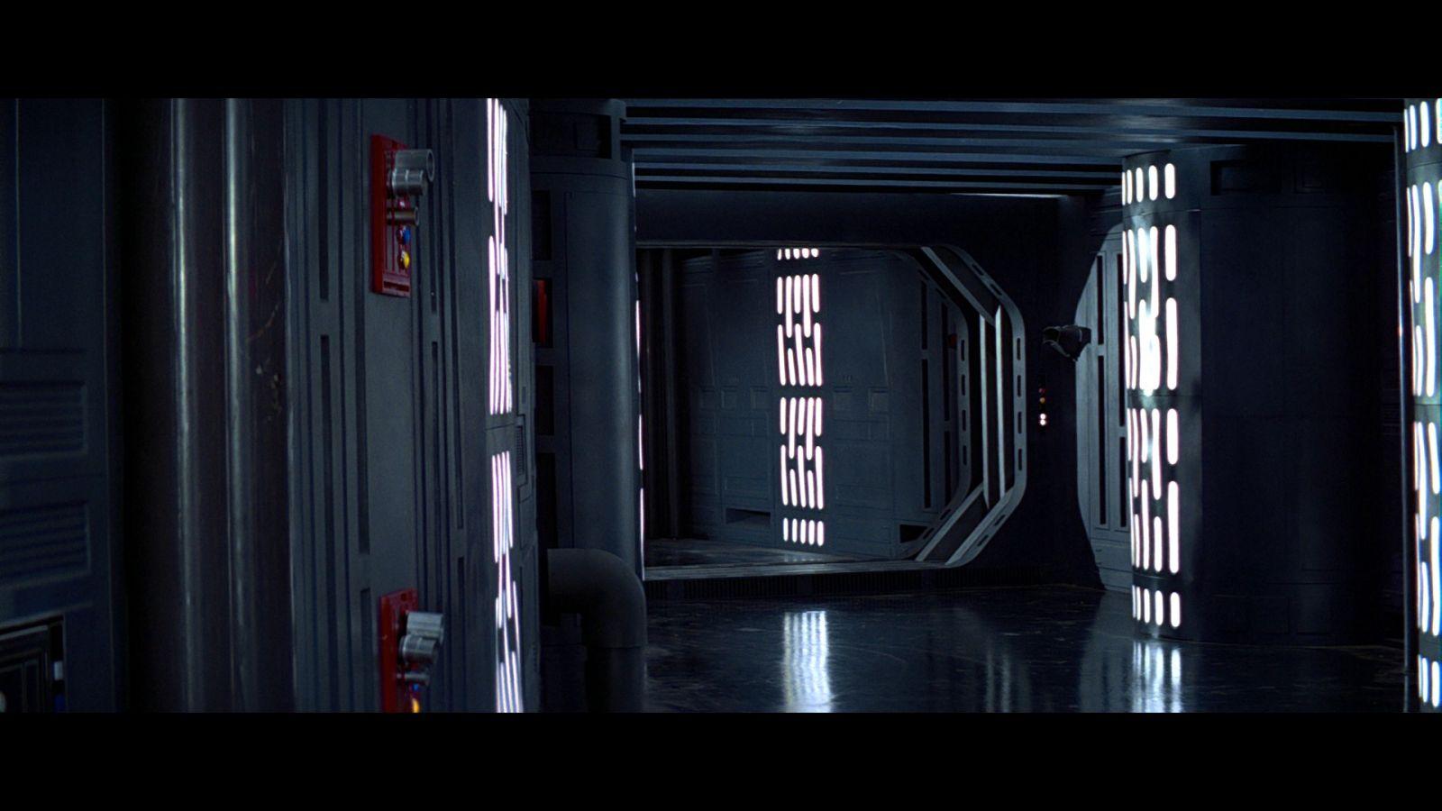 Star Wars A New Hope Bluray Capture 03-21.jpg