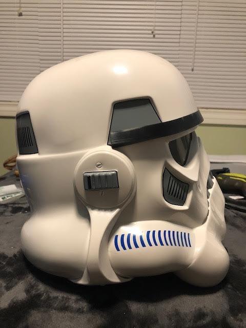 8 Helmet Right.jpg