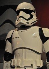 star-wars-tfa-stormtrooper-armor-mid_23673843645_o.jpg