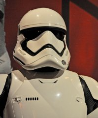 star-wars-tfa-stormtrooper-closeup_23591370911_o.jpg