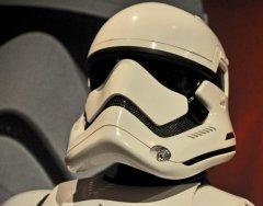 star-wars-tfa-stormtrooper-helmet-left-angle_23565281272_o.jpg