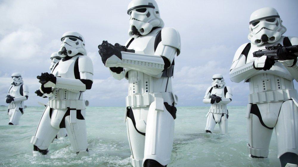 rogue-one-a-star-wars-story-1920x1080-stormtroopers-clone-trooper-11711.thumb.jpg.ada10f2526012859a1f10f6eb0f7d044.jpg