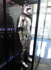 captain phasma costume star wars last jedi.jpg