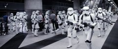 Rogue-One-Stormtroopers-rushing-BTS.jpg