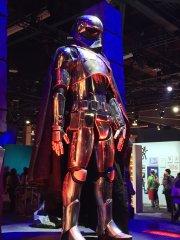 star-wars-the-force-rises-captain-phasma-costume.jpg