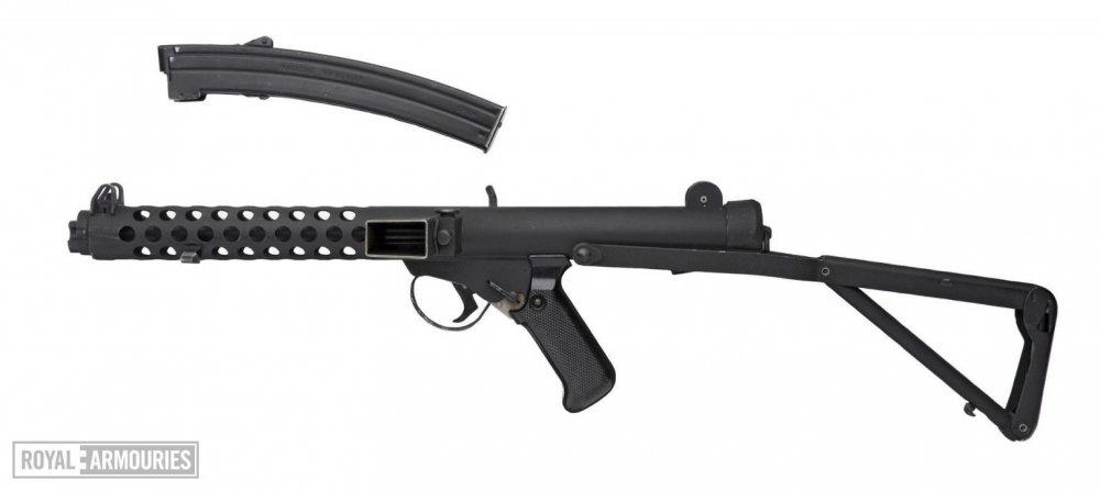 Centrefire-automatic-submachine-gun-Sterling-Mk.4-L2A3-commercial-model-made-1956-1-1536x686.thumb.jpg.ad9675d1c072df020d112e9fd0db1c09.jpg
