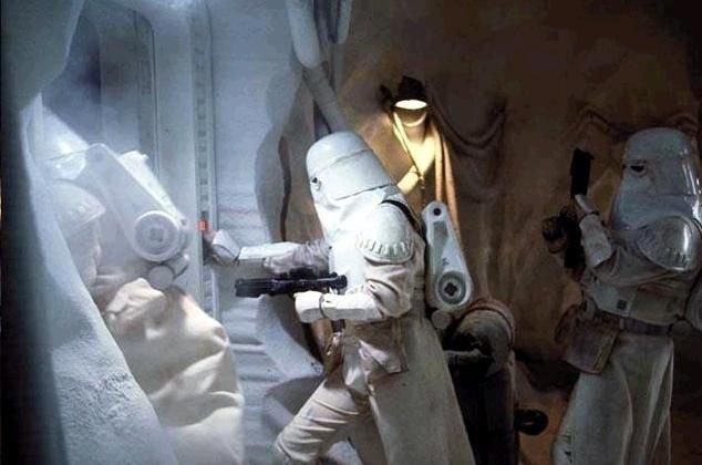 snowtrooper2_zps97862fac.jpg.eaf99b1c882ddea90cdba38d44149042.jpg