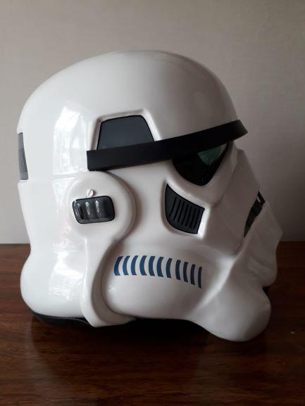 Helmet right.jpg