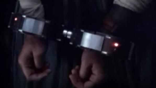 cuffs4.png.5a0ad84729a5e89fcd8b847ba31762b1.png